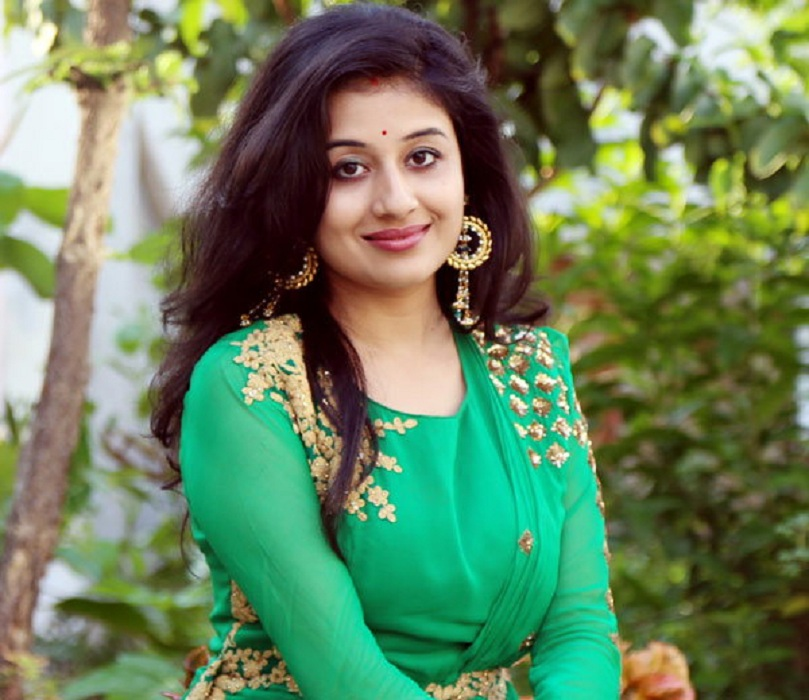 Paridhi Sharma New Images Download
