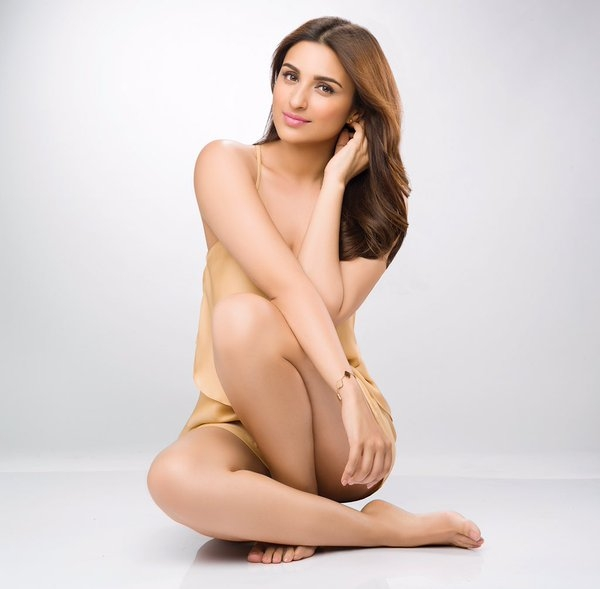 Parineeti Chopra Hot Looking In Bra Panty Photos Images Wallpapers