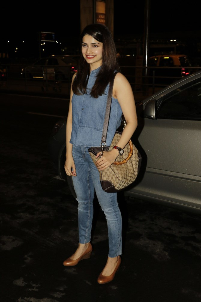 Prachi Desai Hot In Jeans Top Images