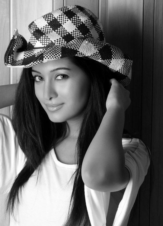Preetika Rao Hot HD Photoshoot