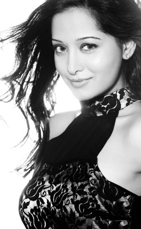 Preetika Rao Hot Unseen Images Download