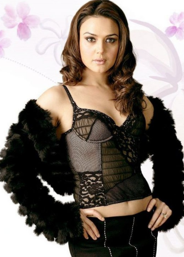 Priety Zinta Hot Look In Short Cloths