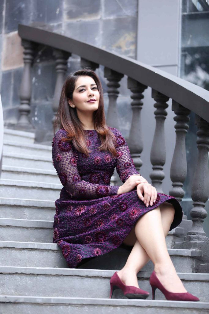 Raashi Khanna Bold Wallpapers