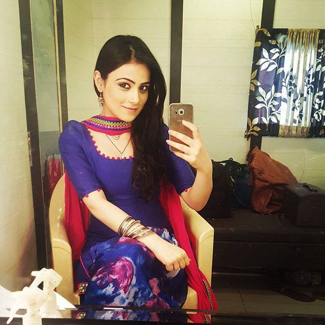 Radhika Madan Wallpapers