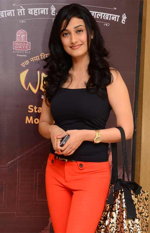 Ragini Khanna Hot HD Sexy Images