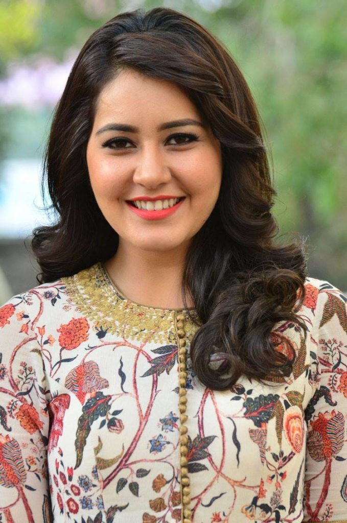 Rashi Khanna Cute Smiling Pictures