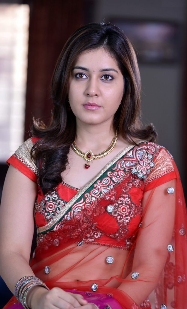 Rashi Khanna Spicy Navel Pics In Saree