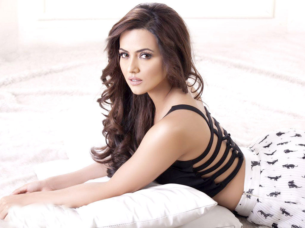 Sana Khan HD Sexy Pics Download