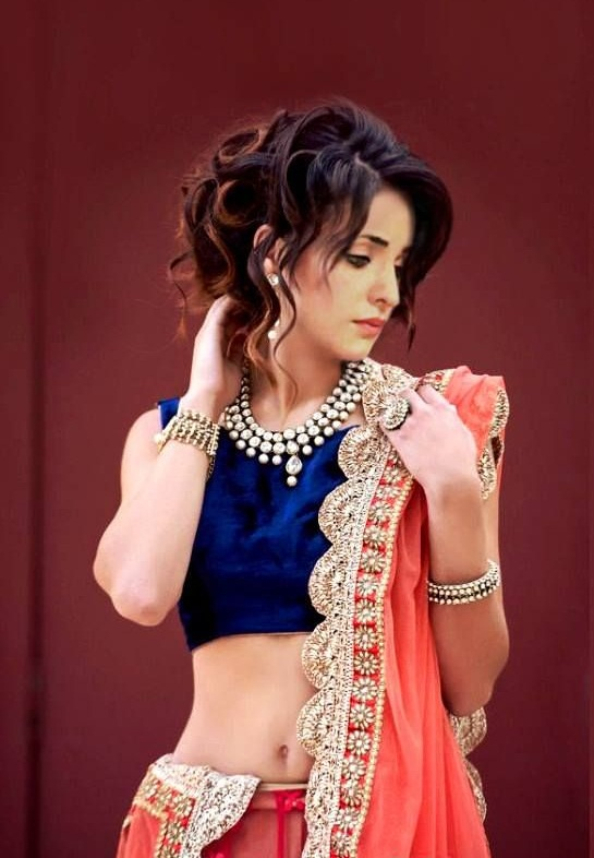 Sanaya Irani Hot Navel Photos Free Download