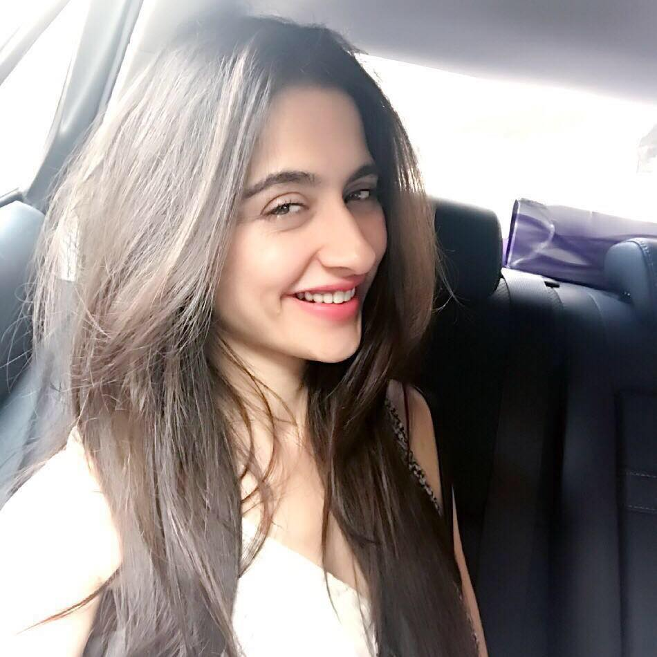 Sanjeeda Shaikh Cute Smiling Images