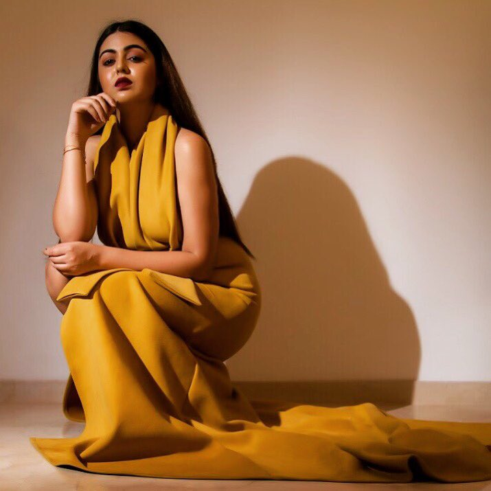 Shafaq Naaz Hot Pics In Yellow Clothes