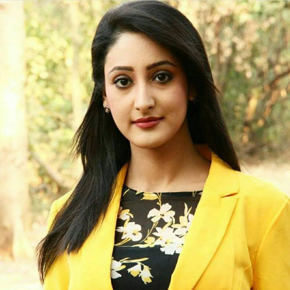 Shivya Pathania HD Pics Gallery