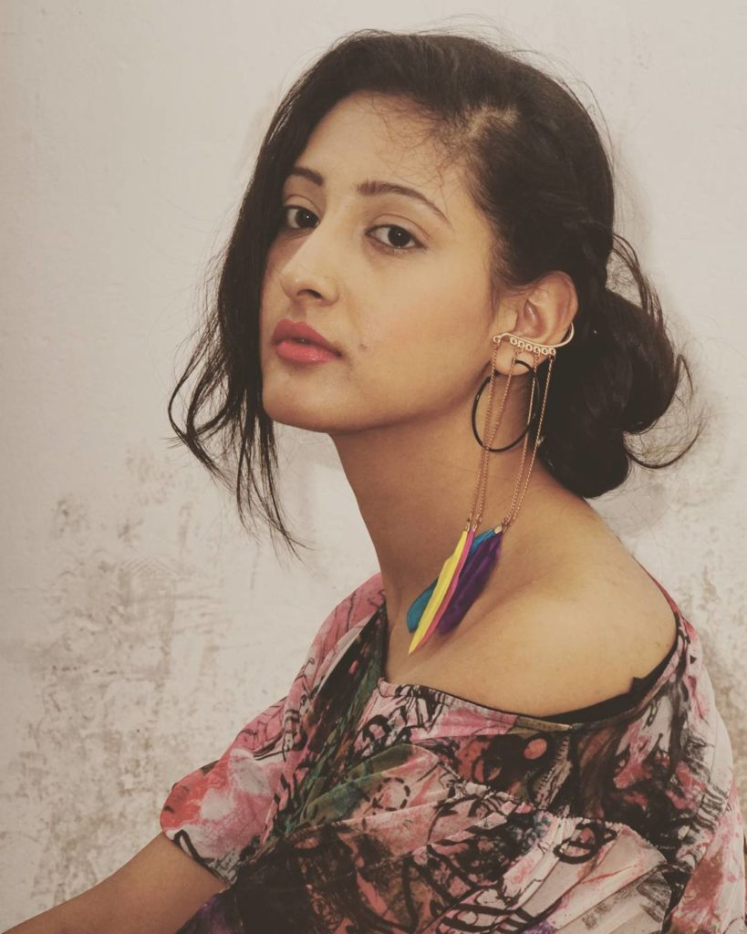 Shivya Pathania Hot HD Pics