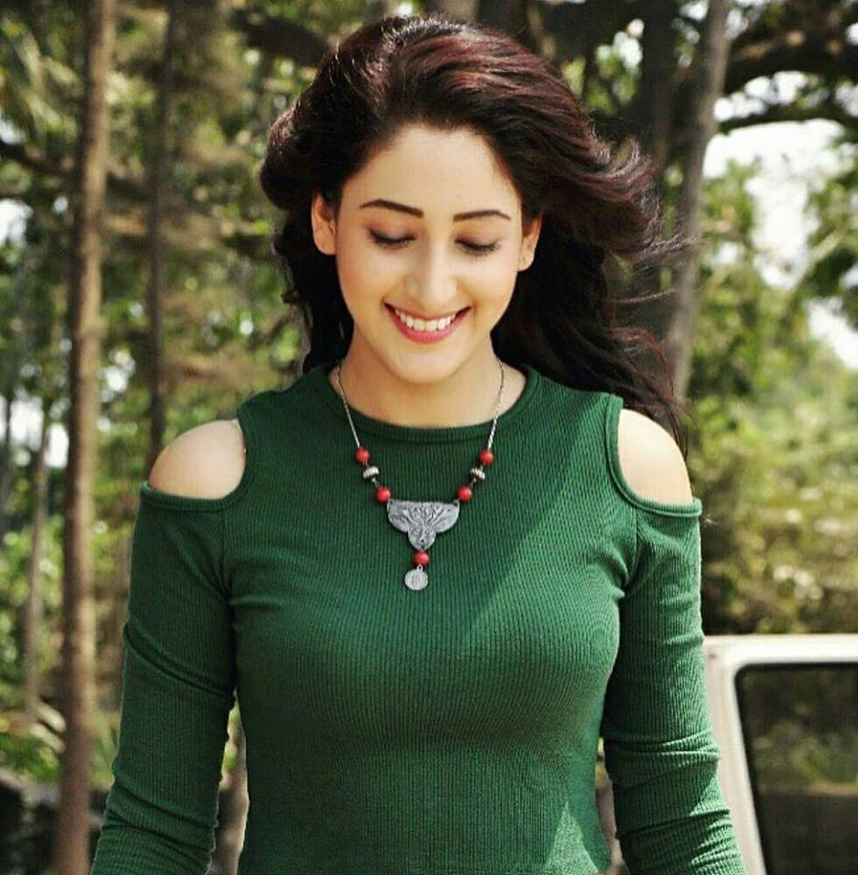 Shivya Pathania Hot HD Sexy Pictures