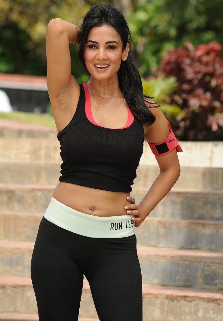 Sonal Chauhan Hot HD Wallpapers For Profile Pictures Pics