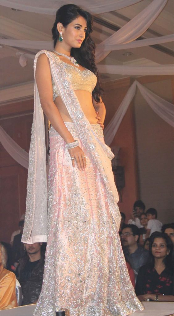 Sonal Chauhan Hot & Sexy In Gagra Choli Photos Images