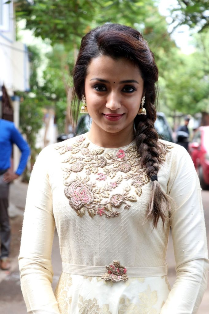 Trisha Krishnan Cute & Lovely Wallpapers