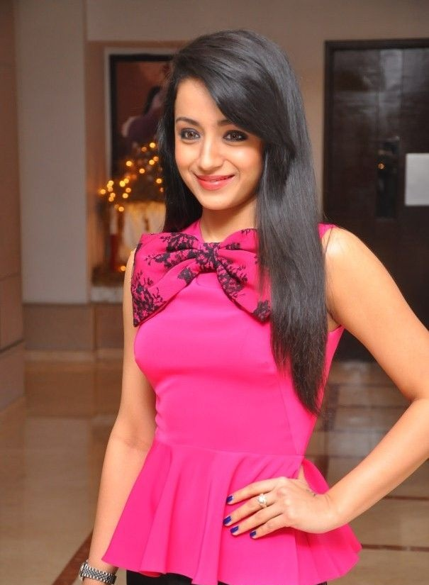 Trisha Krishnan Hot Photos In Pink Clothes