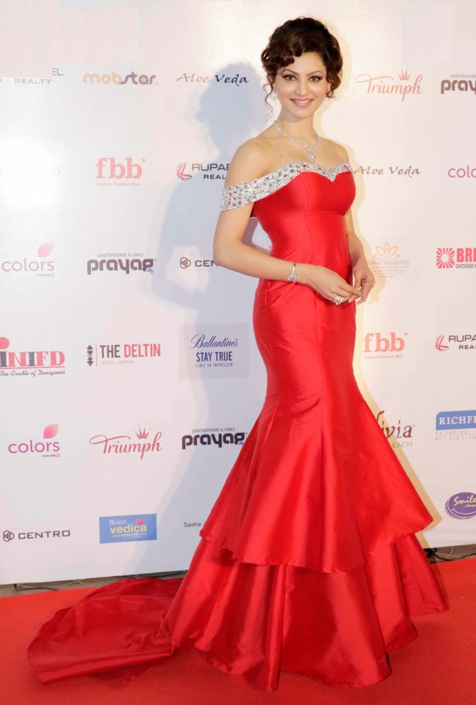 Urvashi Rautela Beautiful Look In Red Color Cloths Images