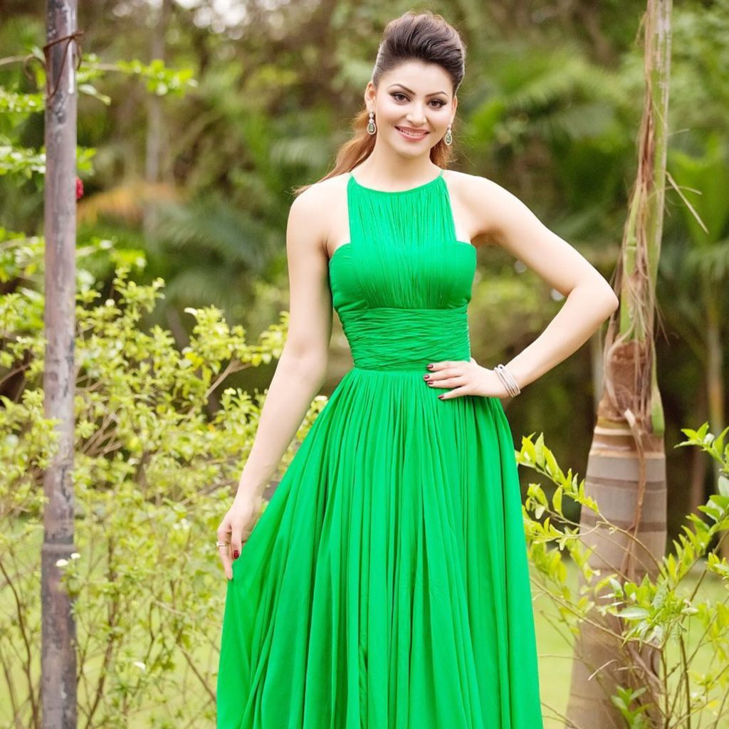 Urvashi Rautela Beautiful Pictures In Salwaar Kamiz
