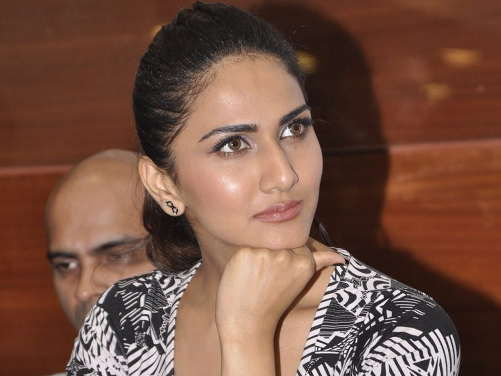 Vaani Kapoor Latest HD Hot Photoshoot