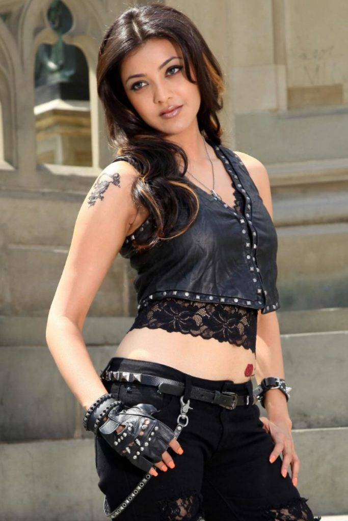 kajal aggarwal hot navel showing pics