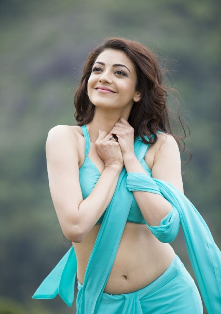 kajal aggarwal hot pics in saree images