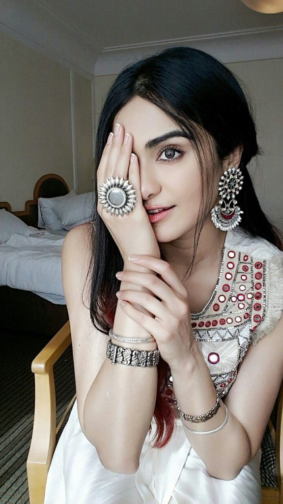 Adah Sharma Full HD Images