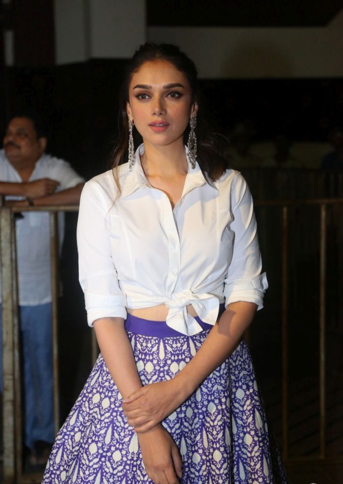 Aditi Rao Hydari Hot Wallpapers