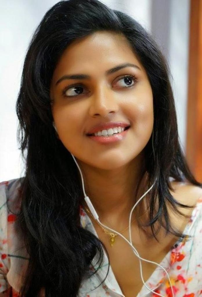 Amala Paul Cute Smile Pics