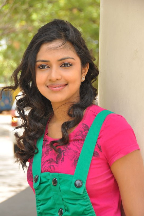 Amala Paul New Wallpapers