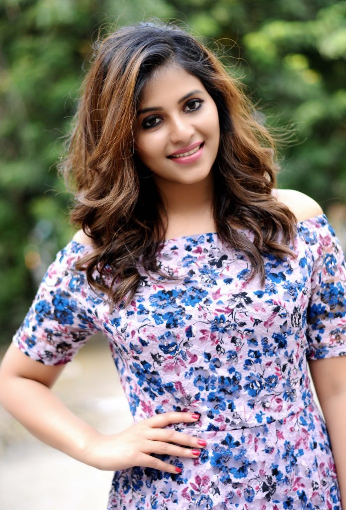 Anjali New Hair Style Pics