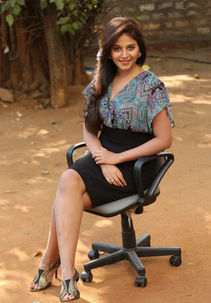 Anjali Sexy Legs Pictures