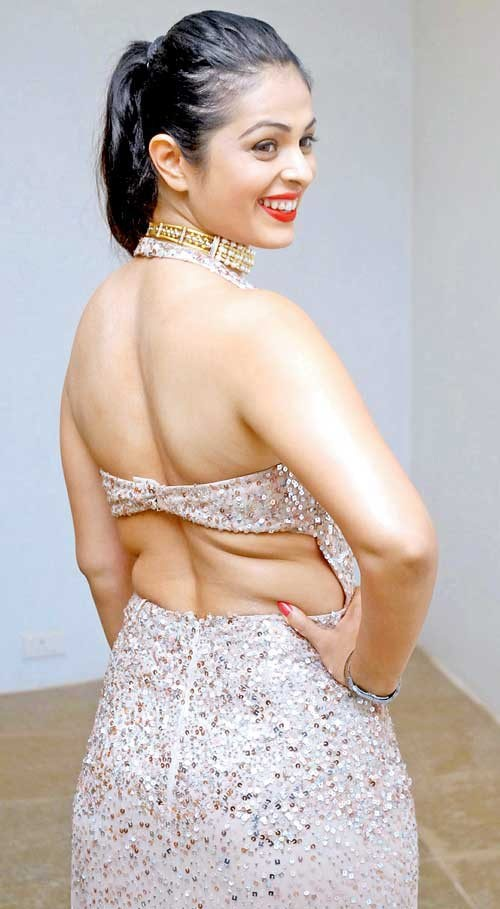 Anjana Sukhani In Backless Saree