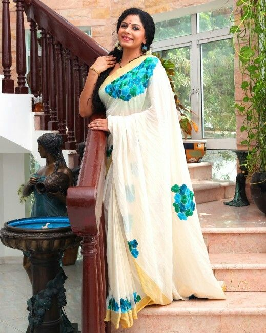 Asha Sarath In Saree Pictures