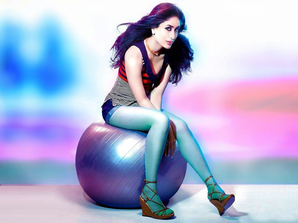 Beautiful Kareena Kapoor Hot Unseen Navel Pictures Download