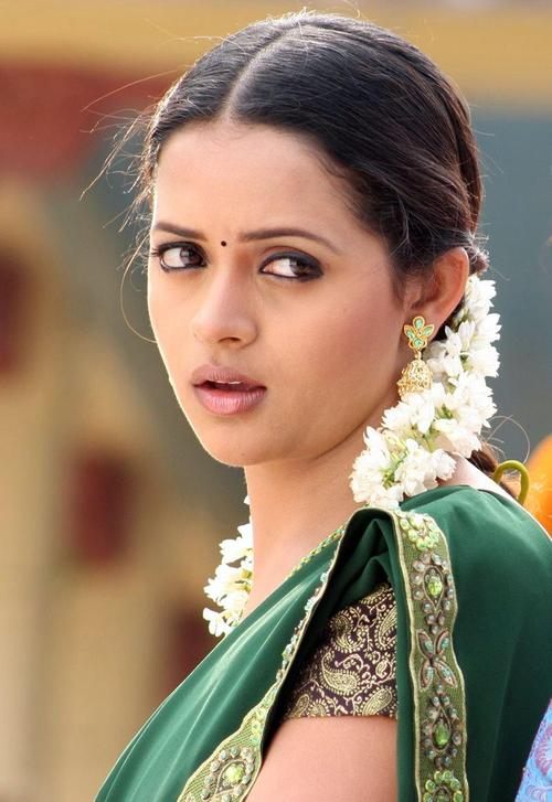 Bhavana New Pics In Saree