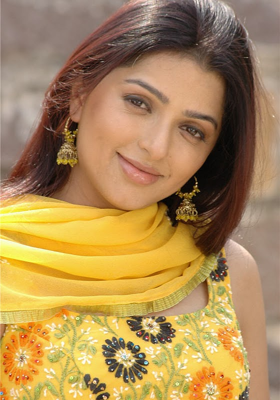 Bhumika Chawla Full HD Pics Gallery