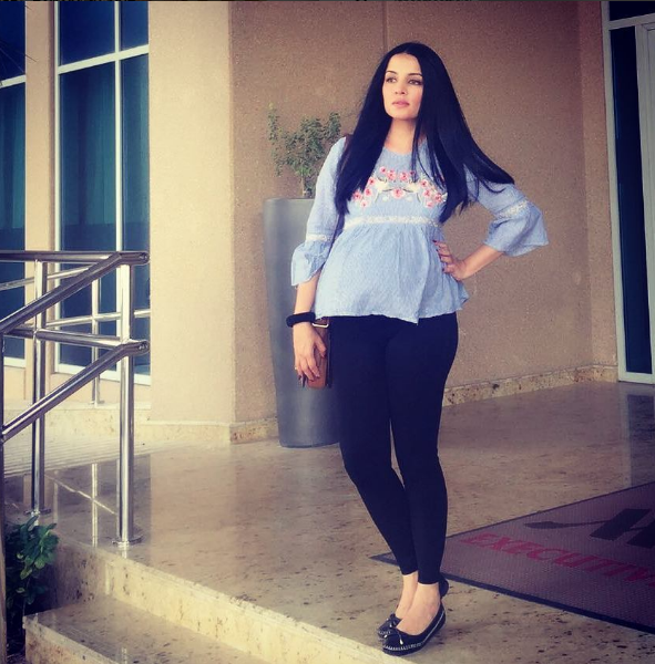 Celina Jaitley In Jeans Top Images