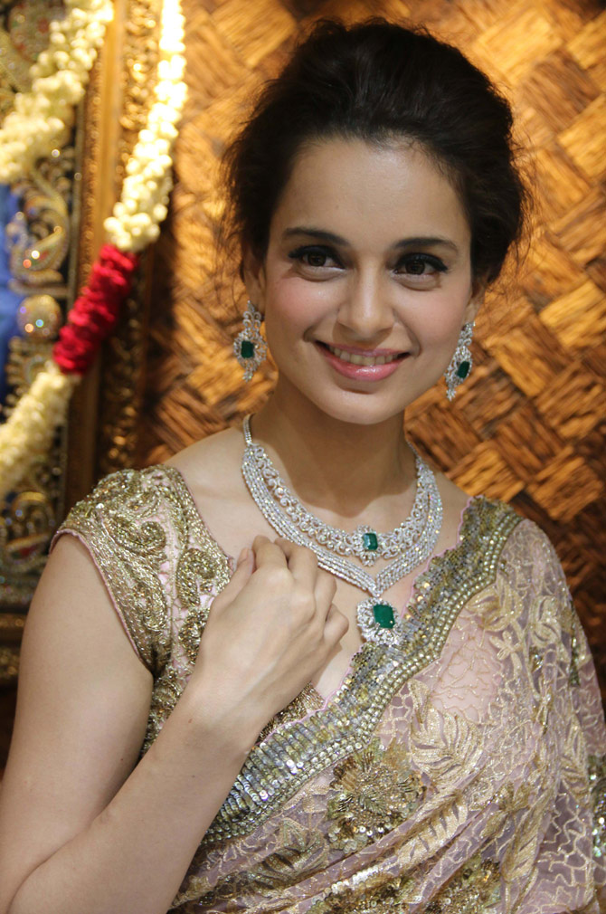 Kangana Ranaut Hot HD Latest HD Unique Wallpapers