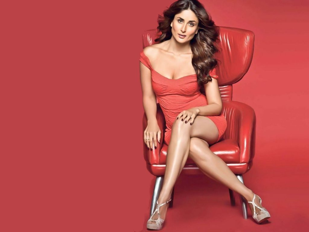 Kareena Kapoor Hot Boobs Pics Pictures Wallpapers