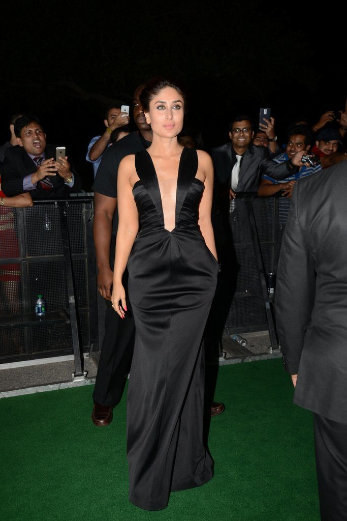 Kareena Kapoor Latest Hot Photos Wallpapers At Award Show
