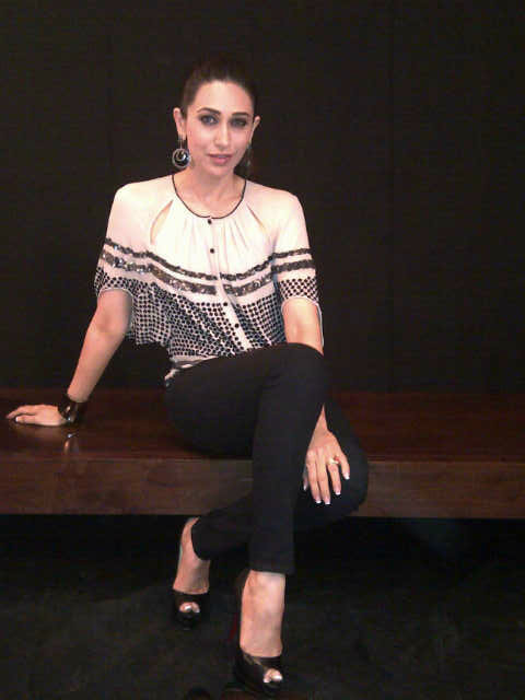 Karisma Kapoor Latest Unseen Bra Panty Photos