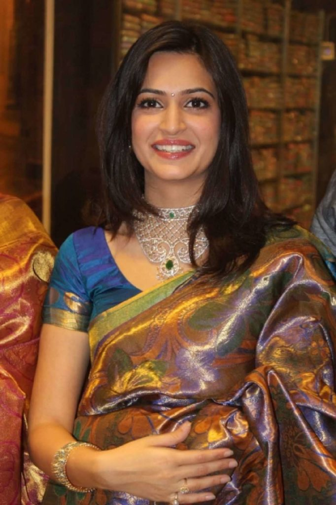 Kriti Kharbanda In Saree Images Gallery
