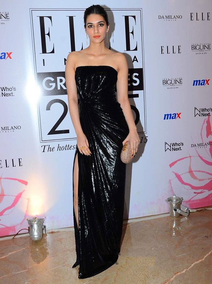 Kriti Sanon In Black Color Lahanga Photos Images