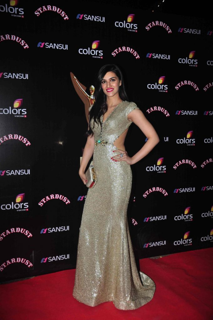 Kriti Sanon Latest HD For Profile Pictures Photos Images