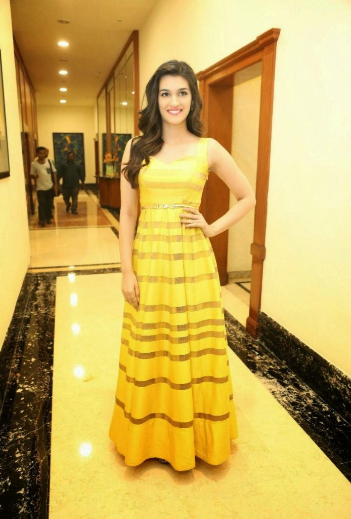 Kriti Sanon Latest HD Wallpapers Pics For Desktop Images