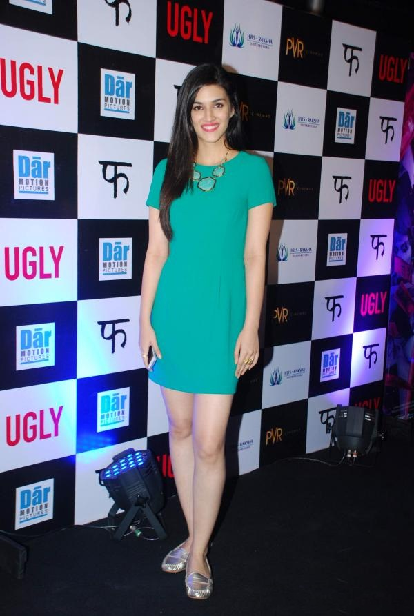 Kriti Sanon latest HD Unique Wallpapers Pics HD