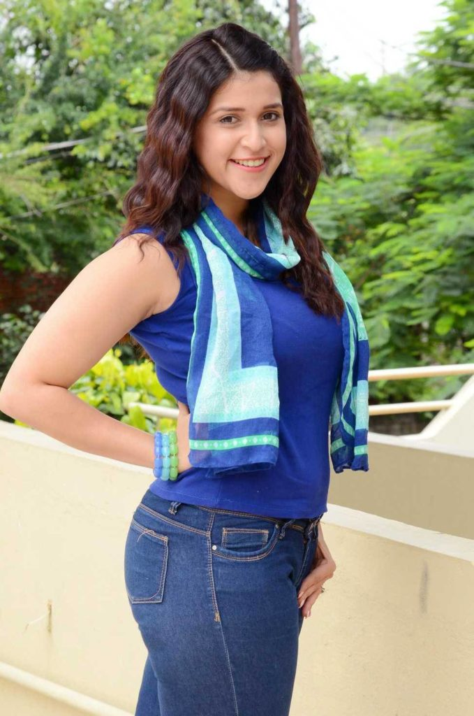 Mannara Chopra In Jeans Top Images
