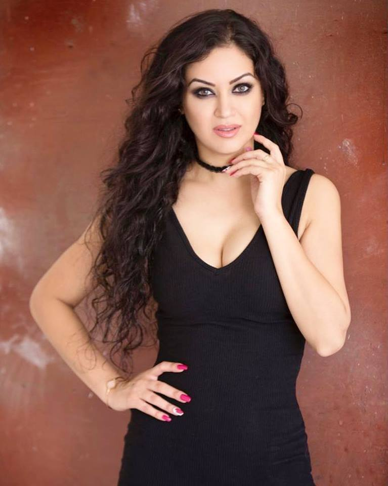 Maryam Zakaria New Pictures
